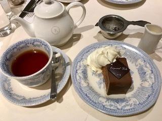 インペリアルトルテ&友チョコに井筒八つ橋京くらんち、生チョコを貰いました。