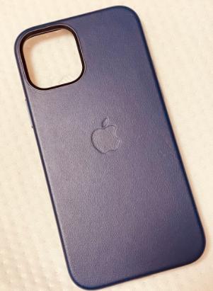 iPhone12/iPhone12 Pro Apple純正レザーケース ディープバイオレットのレビュー